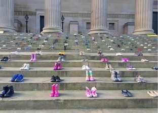 منظمة خيرية فى «لندن» تدين حوادث انتحار الأطفال بـ266 زوج أحذية