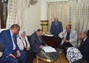 محافظ الفيوم يحتفل بالمولد النبوي مع نزلاء بدار مسنين