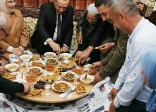 من مائدة أردوغان لـ جوع الصومال.. إفطار رمضان حول العالم
