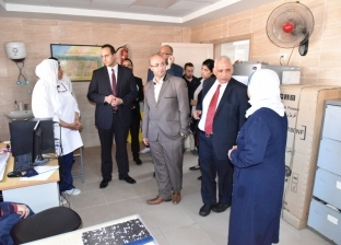 بالصور| مساعد وزيرة الصحة للرقابة والمتابعة يتفقد المنشآت الطبية ببورسعيد