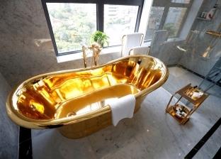 أحدثها كمامة ذهبية.. أشياء غريبة مصنوعة من الذهب الخالص