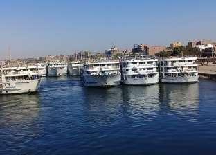وزارات النقل والسياحة والري تعقد اجتماعا لتسيير حركة الفنادق العائمة
