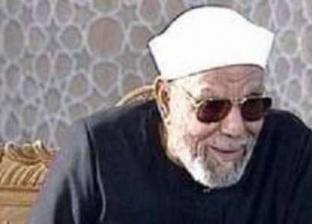 مواقف في حياة الشعراوي.. محمود الخطيب قبل رأسه خشية أن يسبقه بتقبيل يده