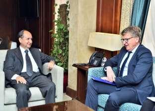 وزير التجارة يبحث مع سفير الاتحاد الأوروبي تعزيز العلاقات الاقتصادية