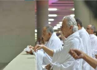 أمير مكة يرمي الجمرات في أول أيام عيد الأضحى