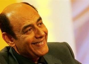 """أحمد بدير يواصل بروفات مسرحيته الجديدة """"فرصة سعيدة"""""""