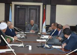 محافظ البحر الأحمر يناقش مع مجلس جمعية الاستثمار السياحي خطة التطوير