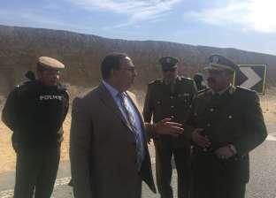 مدير الإدارة العامة للمرور يتابع مسافة الآمان بين السيارات على الطرق