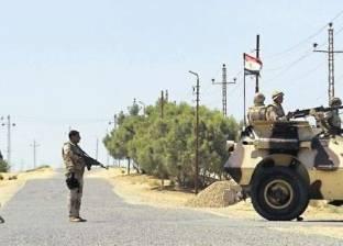 مسلحون يحطمون كاميرا مراقبة في شارع أسيوط بوسط العريش