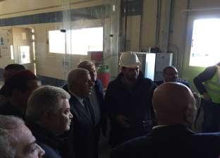 محافظ مطروح ورئيس الشركة القابضة للمياه يتفقدان محطة تحلية الرميلة