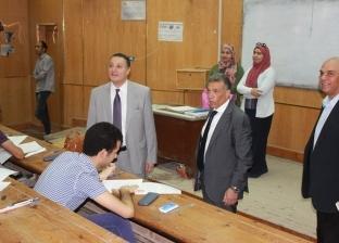 """رئيس جامعة بنها يتفقد سير الامتحانات بـ""""هندسة شبرا"""""""