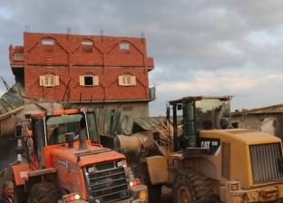إزالة 45 حالة تعد على الأراضي الزراعية بمدينة نجع حمادي