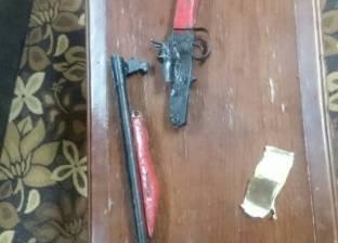 ضبط عامل وبحوزته بندقية خرطوش و22 طلقة بدون ترخيص في مطروح