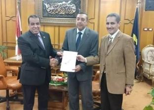 رئيس الجمهورية يصدر قرارا بتعيين عميد كلية الصيدلة بجامعة القناة