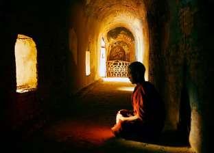 قتله عقب الصلاة.. راهب بوذي ينهي حياة تلميذ مشاغب