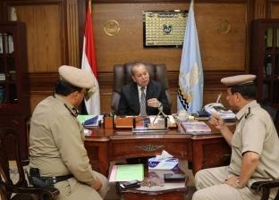 محافظ كفر الشيخ يبحث مع شرطة المسطحات إزالة التعديات على بحيرة البرلس