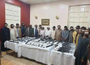 أمن أسيوط يحبط مشاجرة بين عائلتين ويضبط 25 قطعة سلاح بأسيوط