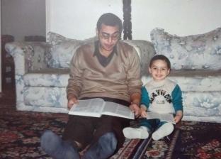 بالصور  لقطات نادرة من حياة الراحل أحمد خالد توفيق