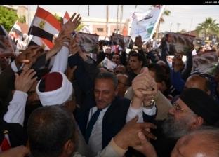 محافظ الإسماعيلية يشيد بدعم الأزهر والكنيسة للاستفتاء: إنت أكيد في مصر