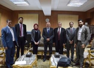 رئيس جامعة بنى سويف يستقبل وفدًا من البنك الأهلي لبحث سبل التعاون
