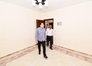 وزير الإسكان يتفقد عينة تشطيب كورنيش المنصورة الجديدة ووحدات سكن مصر