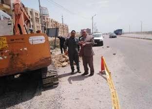 بالصور| رئيس مدينة بلطيم يتابع أعمال توصيل الغاز ونظافة الشوارع