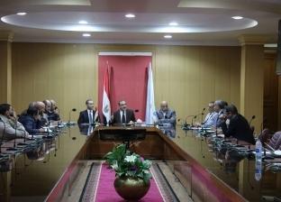 محافظ كفر الشيخ يبحث مشكلات المواطنين مع نواب البرلمان