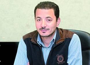 """صحفي بـ""""الوطن"""" لـ""""متحدث التعليم"""": 150 ألف جهاز """"تابلت"""" فقط وصلت لمصر"""