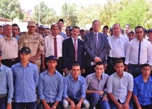 رئيس جامعة الوادي الجديد يلتقي طلاب التربية العسكرية
