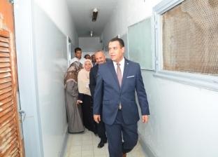 بالصور| نائب رئيس جامعة أسيوط يتفقد المدينة الجامعية للطالبات