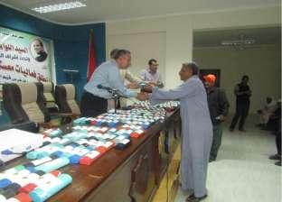 بالصور| توزيع 328 نظارة طبية على أهالي أبو رديس في جنوب سيناء