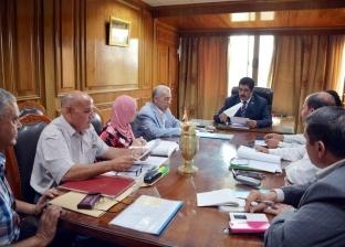 محافظ القليوبية يعقد اجتماعا باللجنة العليا للقيادات