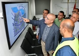 بالصور| وزير الإسكان يتفقد الأبراج الشاطئية في مدينة العلمين الجديدة