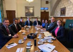 """وفد """"النواب"""" يلتقي وزير الاستثمار ووزير الدفاع الأسبق في لندن"""