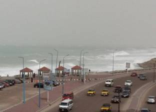 """أمطار غزيرة تجتاح الإسكندرية في أول أيام نوة """"الفيضة الكبرى"""""""