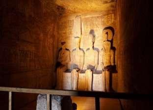 الشمس تتعامد على مقصورة آمون بمعبد الدير البحري