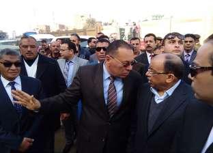 بالصور| وزير التنمية المحلية يتفقد كوبري شرويدة بالزقازيق