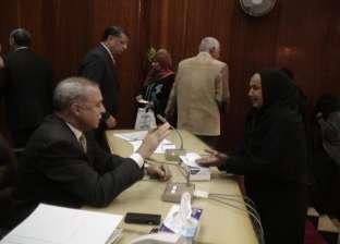 محافظ قنا يبحث 665 طلبا من المواطنين في ديوان عام المحافظة