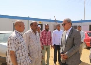 محافظ قنا يتفقد مستشفى نجع حمادي ومجمع الصناعات: تكلفتهما مليار جنيه