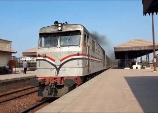«السكة الحديد» تحصل 81 ألف جنيه غرامات التدخين والتزويغ من دفع الأجرة