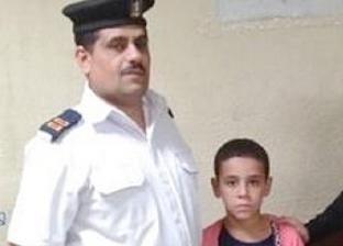 """شرطة مترو الأنفاق تنجح في تسليم طفل تائه لأهله بـ""""السادات"""""""