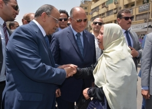 """""""وزير التنمية المحلية"""" يطالب المسئولين بالقاهرة بحل مشكلات المواطنين"""