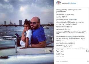 """محمود العسيلي ينشر صورة مع ابنه: """"مستر علي"""""""