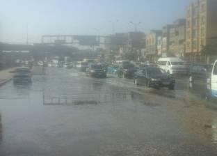 """كثافات مرورية بطريق """"أكتوبر-الفيوم"""" بسبب كسر ماسورة مياه"""