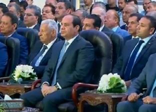 محافظ قنا: ننجز الطرق وفقا للاعتمادات المالية.. والسيسي: يبقى عليك خير