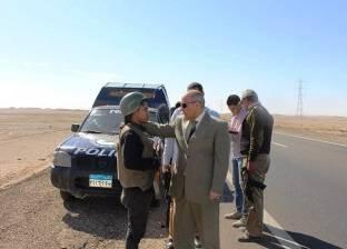 بالصور| مدير أمن أسوان يتفقد طريق أبو سمبل السياحي