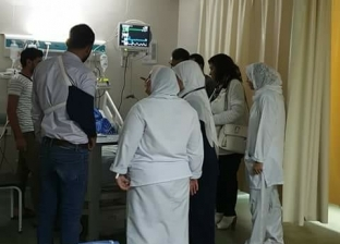 """زيارة مفاجئة لنائبة تكشف تعرض مريض للإهمال الطبي في """"طوارئ كفر سعد"""""""