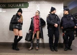 بالصور| ركاب دول غربية «مش لابسين بنطلونات» في مترو الأنفاق