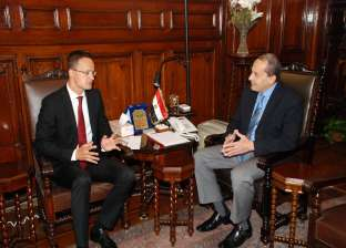 """""""فايد"""" يستقبل وزير الشئون الخارجية والتجارة المجري"""