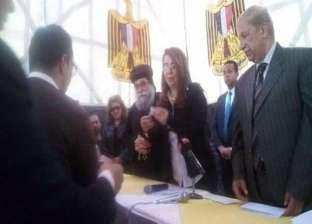 وزيرة التضامن تسلّم 45 شقة لأهالي العريش الوافدين إلى الاسماعيلية
